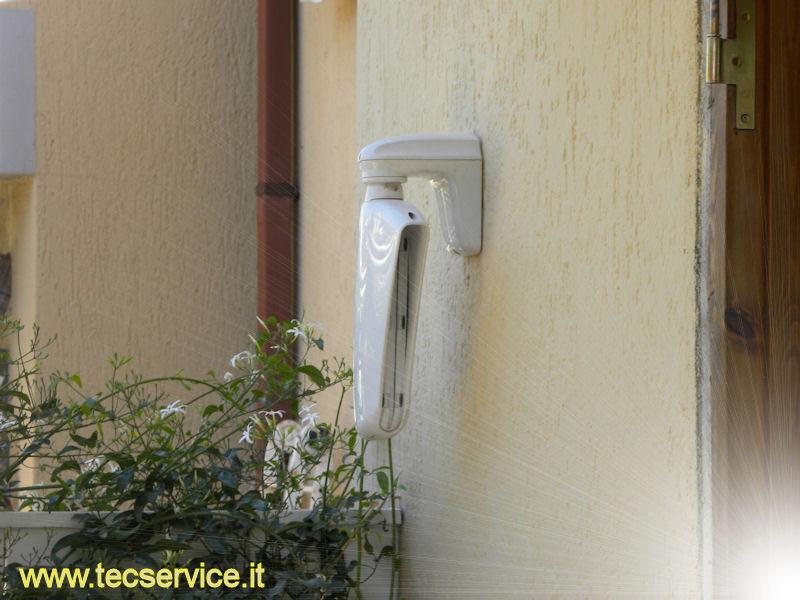 Installazione impianti di allarme della Tecnoalarm antifurto per casa a Roma e nel Lazio